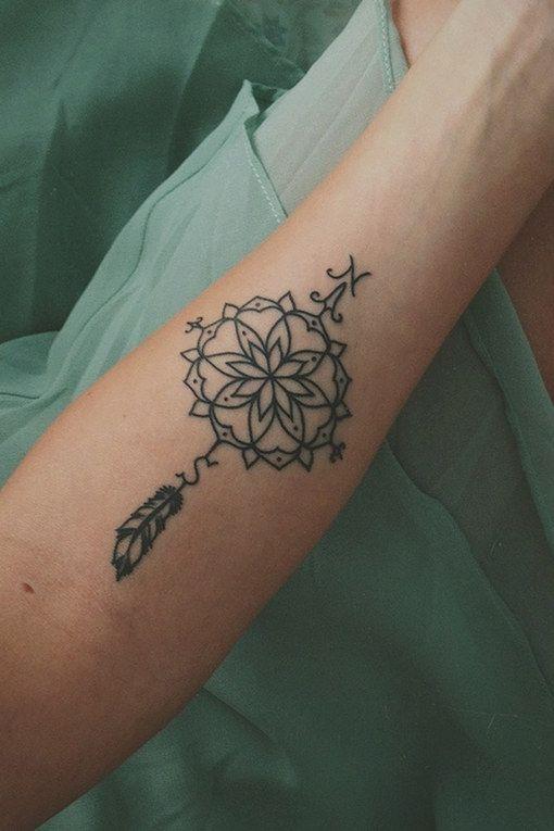 ber ideen zu lotusbl te tattoos auf pinterest lotusblumen tattoos t towierungen und. Black Bedroom Furniture Sets. Home Design Ideas