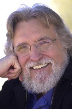 Neale Donald Walsch modernkori spirituális közvetítő.  Az ő nevéhez fűződik a sikeres Beszélgetések Istennel című sorozat, amely minden rekordot megdöntött a New York Times bestsellerlistáján.