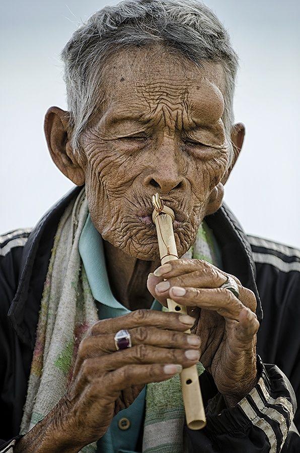 Street Musician by Hendri Suhandi on 500px