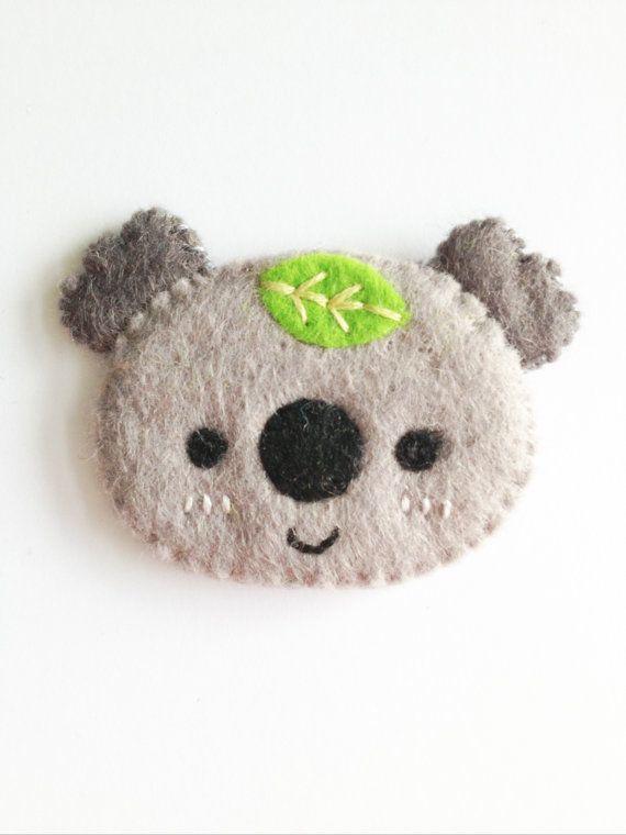 NEW 2014 grey koala brooch por littlehappystitches en Etsy