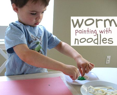 worm painting for toddlersBugs Theme Toddlers, Art Paintings, Worms Painting, Fine Motors, Bugs Songs Toddlers, Painting Activities, Bugs Crafts For Toddlers, Noodles Painting, Bugs Theme For Toddlers