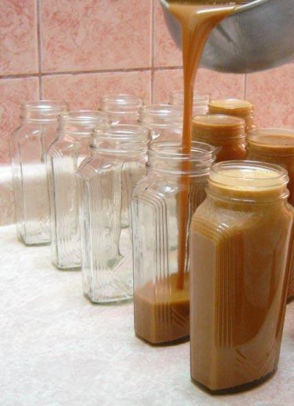 """Cajeta"" Mexican Caramel Recipe with Caramelized Goat Milk, traditional kind of ""Dulce de Leche"" from Celaya, Guanajuato."