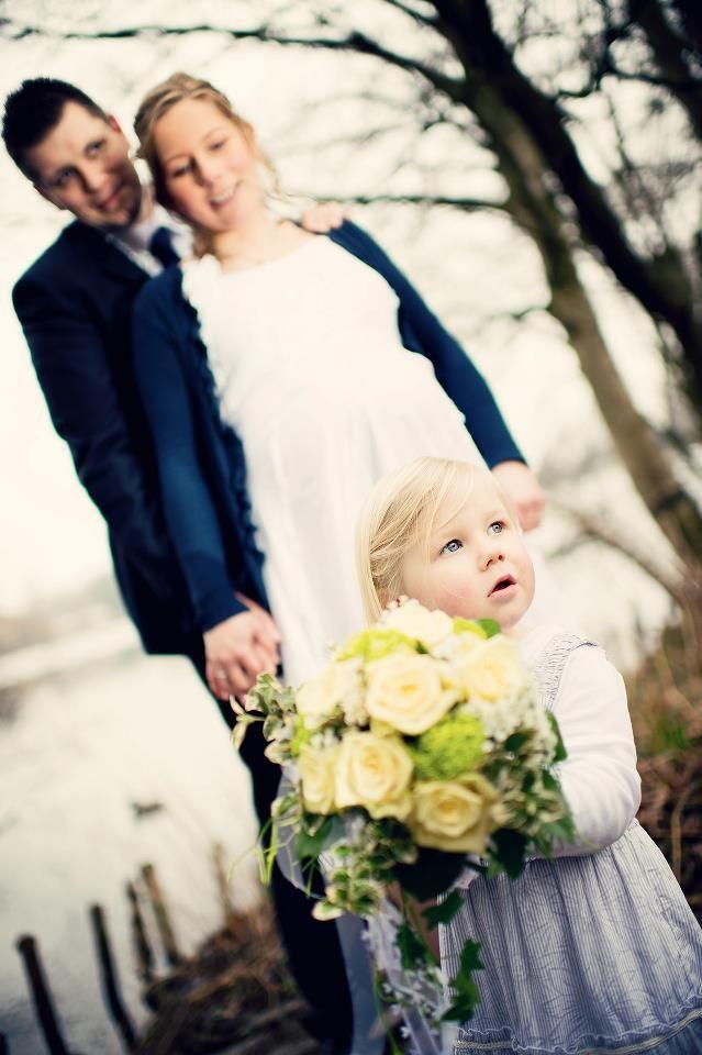 Hochzeitsfotos Shooting Brautpaar mit Kind