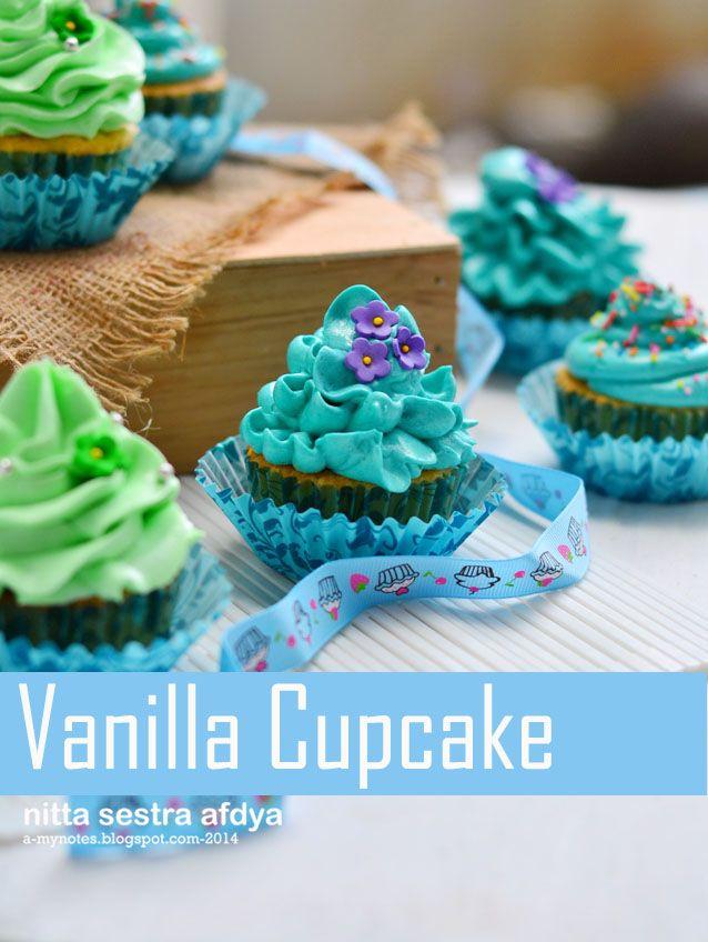 Masih tentang cupcake :D   Kue cantik dan menggemaskan ini amat sangat bikin aku tergila-gila. Cupcake adalah kue yang sangat canti...