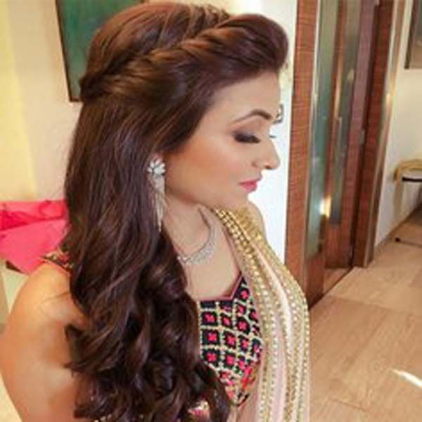 Get The Best Long Hairstyle Of Your Favorite Bollywood Star Actresses Like In 2020 Engagement Hairstyles Long Hair Styles Indian Hairstyles