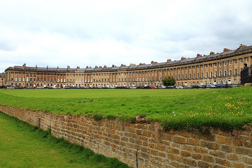 The Royal Crescent in Bath - Lot's of views