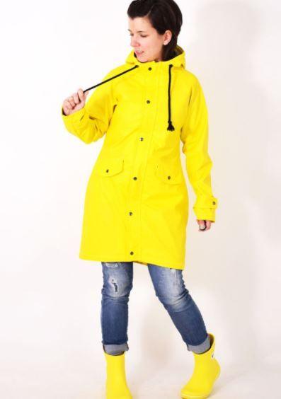Regenjacke/Parka/Friesenjacke mit Tunnelzug und Kapuze für Damen - Nähanleitung und Schnittmuster via Makerist.de   #nähenmitmakerist #nähen #schnittmuster #nähanleitung #jacke #parka #regen #regenjacke #damen #fashion #mantel