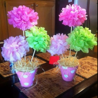 Made these for Easter....gotta love making centerpieces to brighten the table up!!: Easter Centerpieces, Easy Centerpieces, Making Centerpieces, Easter Spring Centerpieces, Clay Pot