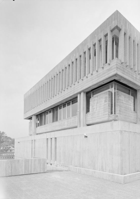 Architecture Photography of courthouse in Sandvika by Teigens Fotoatelier, 1974. DEXTRA Photo, CC BY