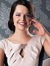 Gorgeous single women: young Russian woman Eva from Prague