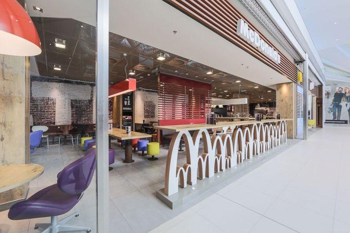 Интерьеры кафе быстрого питания: оригинальный МакДональдс в Москве