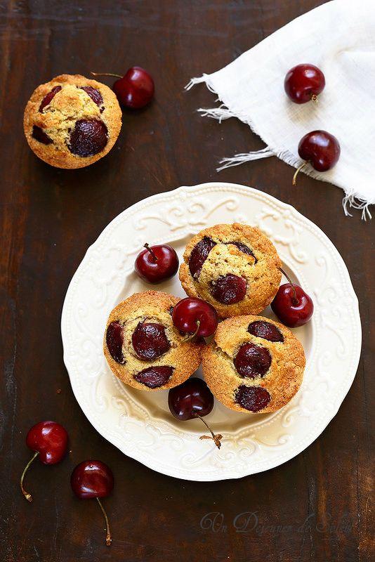 Un dejeuner de soleil: Gâteau aux cerises et aux amandes