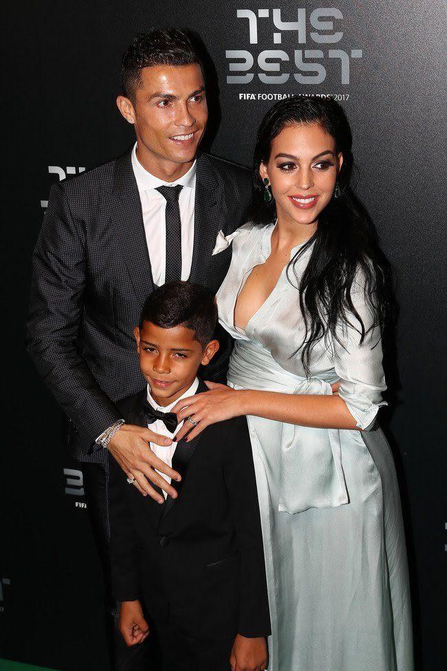 Cristiano Ronaldo escogió un traje slim de cuadros totalmente acertado para la gala The Best FIFA Football Awards 2017