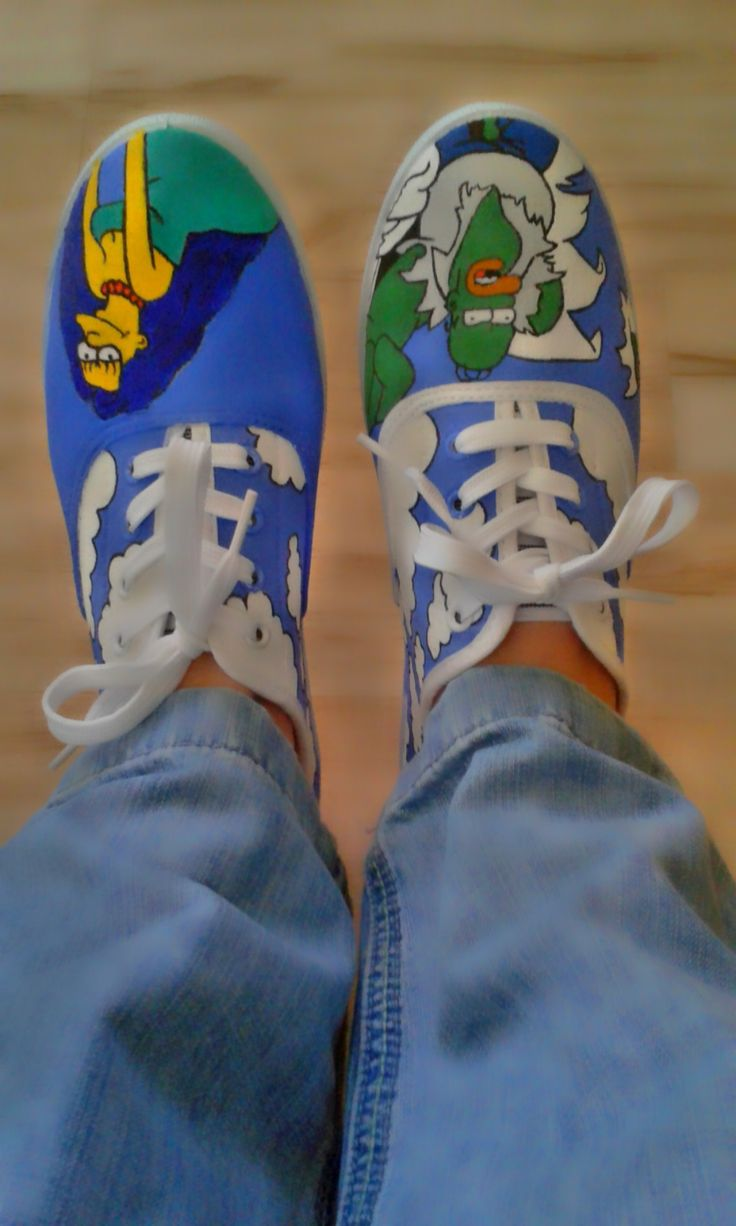 Simpsons painted canvas shoes