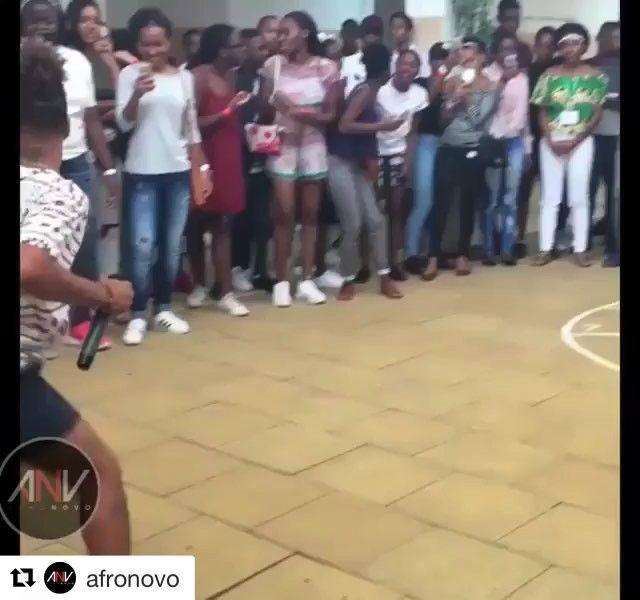 Feliz sábado ! Fiquem ligado no TRACE Toca ! TRACE Toca, o #1 canal dos artistas da África lusófona ! — #apaixaodamusica #tracetoca #felizsabado #Repost @afronovo  #AFRONOVO Animation by @osmoikanos_official 🎤 @leandromoikano  From 🇦🇴 #animation #afrohouse #angola #ANV #os #moikanos #luanda #dance #enjaillement #ambiance #kuduro