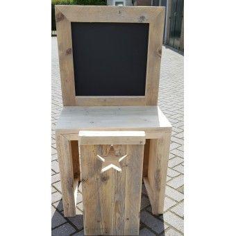 Gebruikt Steigerhout Kindertafel Met Stoel 70CM  Deze tafel is gemaakt van gebruikt geschuurd steigerhout.  Afmetingen:  70CM Breed   110CM Hoog   43CM Diep  Tafel hoogte is 63CM  Optie's  Kinderstoel met hartje of een ster