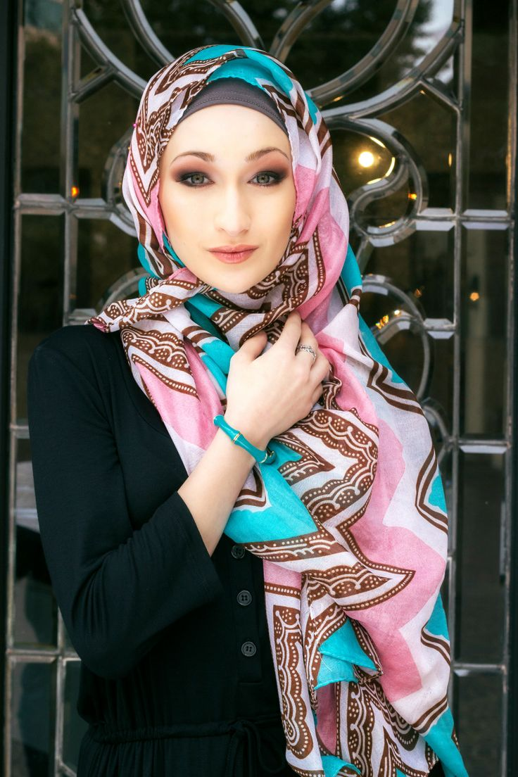 #Hijabi Jannah Gifts photoshoot with our awesome Photographer in Dallas! Mitchell Flores . Our Aztec Maxi scarf is gorgeous only $14 shop now. www.JannahGifts.com