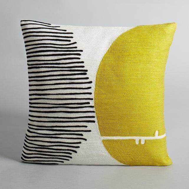 Motif à pois. Entièrement brodée. 100 % coton.Pois jaune et noir. Dim. 45 x 45 cm.