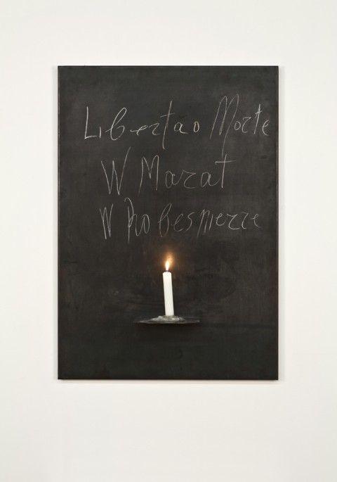 Jannis Kounellis - Senza titolo. Libertà o Morte. W Marat W Robespierre - 1969 - Courtesy Sammlung Goetz - photo Wilfried Petzi, München