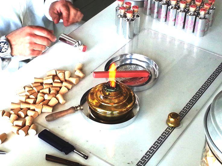 Confezionati ancora con la stessa cura e passione artigianale da oltre 40 anni  #artigianale, #ceralacca, #sealingwax, #passione, #vitage, #perfume, #brunoacamporaprofumi