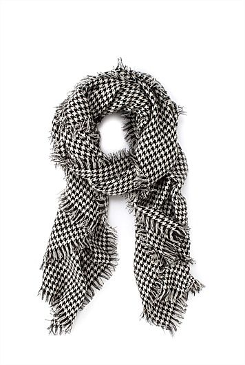 Houndstooth Scarf Winter wardrobe essential! Found at Country Road Winter Collection 2015.
