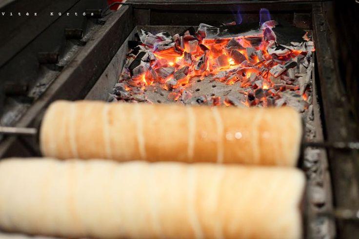 Faszénparázson sült kürtőskalács