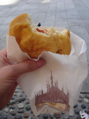 """Panzerotto di Luini... if you have been to Milan and you haven't tried one of these... you can't immagine what you missed! Luini's one of the city """"institutions"""" and for a very good reason... Panzerotti made in Heaven! You got to try one to understand!"""
