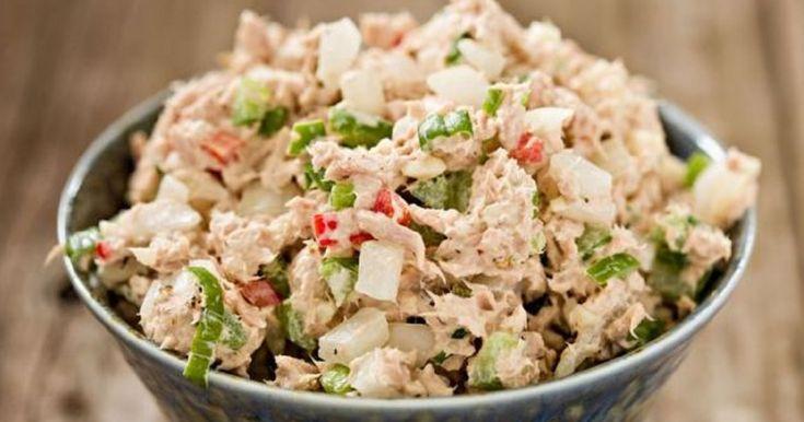 Las ensaladas son perfectas para ayudarte a eliminar esos kilitos de más: son altas en fibra, son llenadoras, tienen pocas calorías ¡y están cargadas de nutrientes! ENSALADA DE POLLO BAJA EN CALORÍAS Ingredientes 250 g de repollo