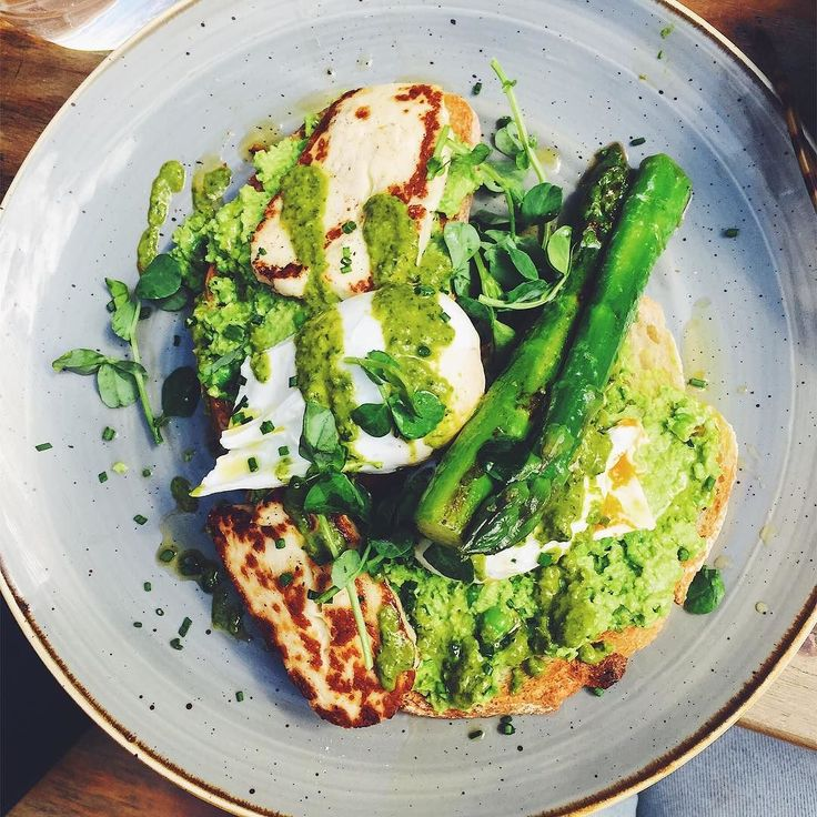Had this glorious plate of green from @mudcafes with babe @hannah123carr finally getting round to visit it and more cause for celebration - passing my motorcycle theory test!! Now to book my license  #brunch #mud #greenfood #sogood #weekendbreakfast #celebratewithfood #always #london #tooting #treats #besties