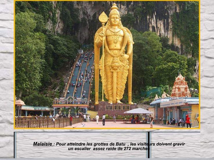 Malaisie..pour atteindre les grottes de Batu, les visiteurs doivent gravir un escalier assez raide de 272 marches