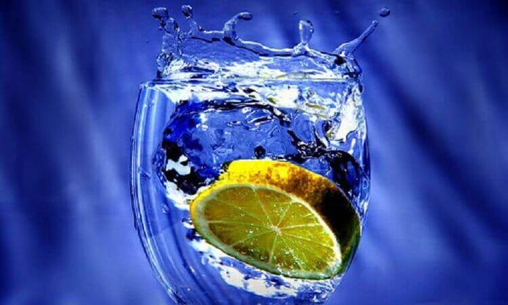 7 Причин выпить стакан воды с лимонным соком — Почему лимонная вода – важное средство для здоровья!
