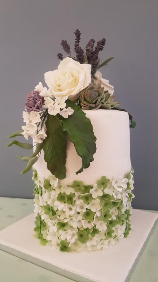 Cake with flowers by iratorte