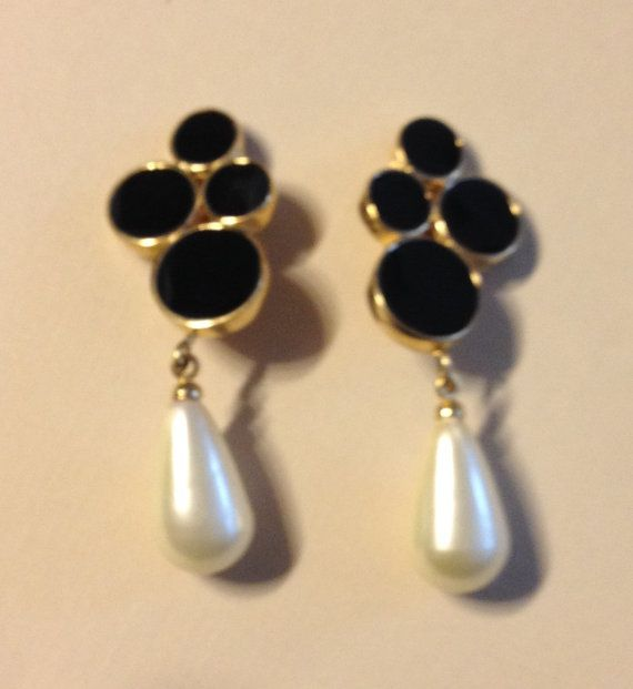 Vintage Black and Ivory Earrings in Gold Tone by vintagerepublic1, $16.00