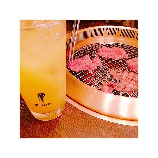 バインジュ-ス ---! ニク--!!!! #パインジュース #永遠飲みたい #焼肉 #肉  #最高の組み合わせ