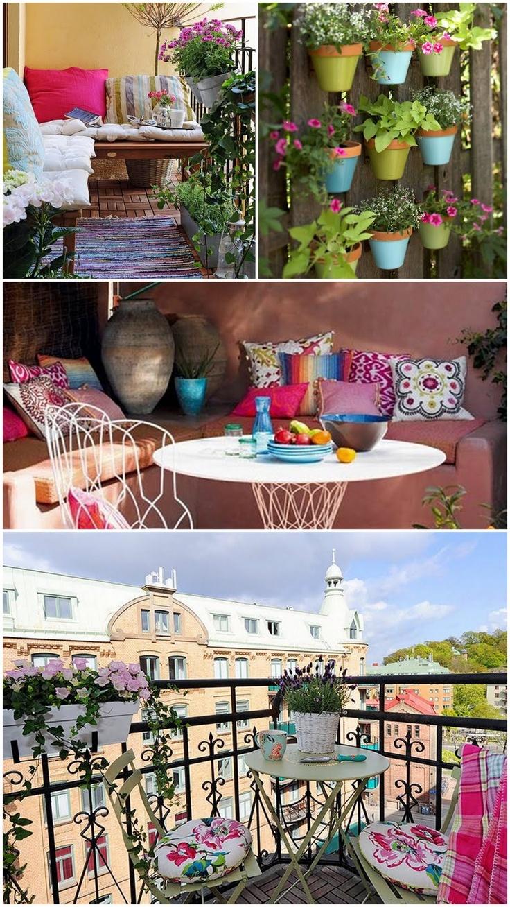 Un balcon ressemblant à un petit coin de paradis coloré