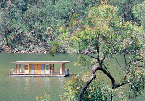 Arkiboat by Drew Heath.  323 sq. ft.  Sydney, Australia. (Details)