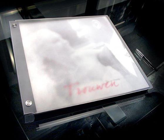 Onze mooie design albums, bij een bruidsreportage! Echte foto's met digitale achtergronden! Meer info? kom langs!