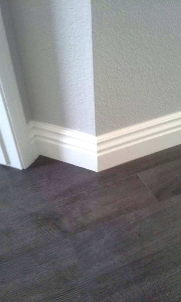 27 Stunning Baseboard Styles For Home Interior Decorfame In 2020 Baseboard Styles Narrow Hallway Decorating Modern Baseboards