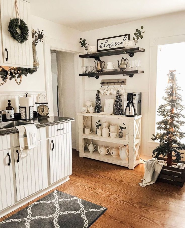 If you are looking for Rustic Farmhouse Kitchen Decor Ideas, You come to the right place. Below are the Rustic Farmhouse Kitchen Decor Ideas. Farmhouse Kitchen Decor, Home Decor Kitchen, Home Kitchens, Farmhouse Ideas, Kitchen Decorations, Modern Farmhouse, Kitchen Furniture, Farmhouse Style, Farm House Kitchen Ideas