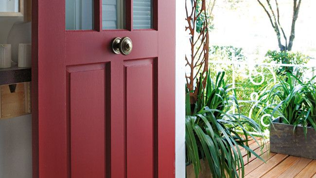 Great colour in door leading out to deck