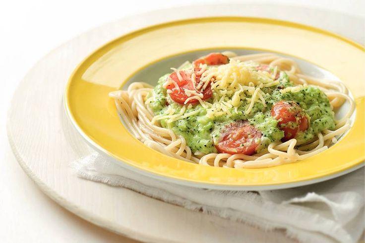 Kijk wat een lekker recept ik heb gevonden op Allerhande! Spaghetti met romige broccoli-kaassaus