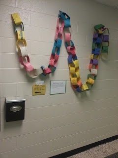 School Counseling Ideas: Friendship Chain--1st Grade Guidance Lesson