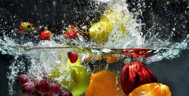 Ovoce i zeleninu je třeba důkladně zbavit chemických látek