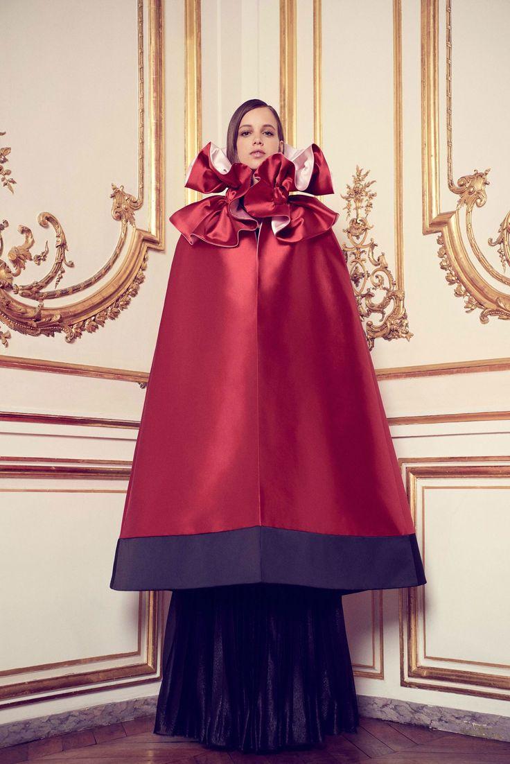 Sfilata Alexis Mabille Parigi - Alta Moda Autunno-Inverno 2017-18 - Vogue