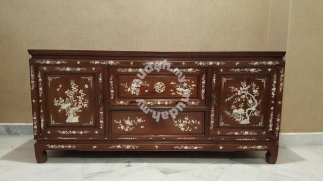 Rosewood Mother of pearl TV bench - Furniture & Decoration for sale in Subang Jaya, Selangor