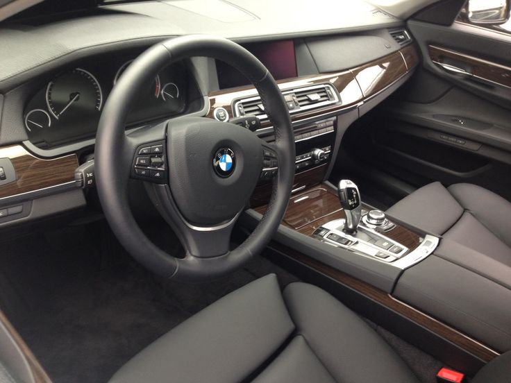 Bmw 7 series for vip transfer