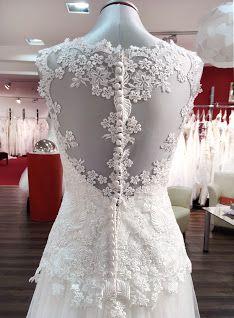 Die Tattoo-Optik des Rückens wird auch die Hochzeitsgäste beim ersten Anblick der Braut vor dem Altar verzücken.
