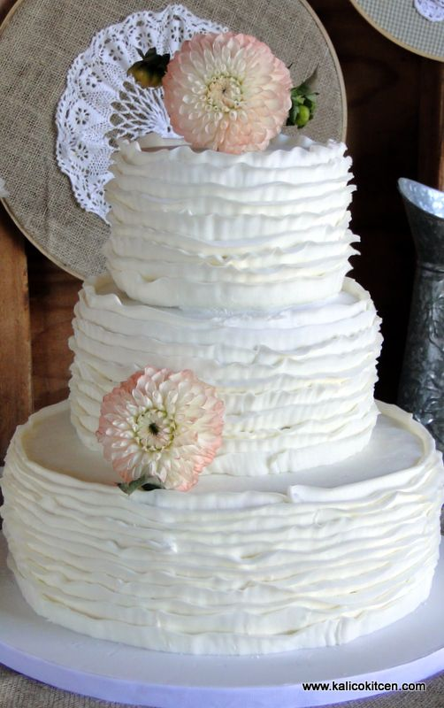 3 tier buttercream wedding cake 17 best images about 3 tier wedding cakes on 10216