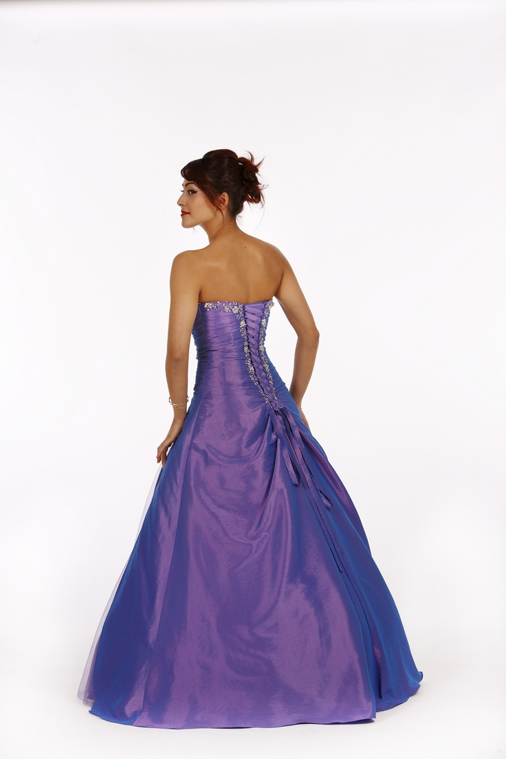 15 best Traditional Prom Dresses - At Lilly-Lou images on Pinterest ...