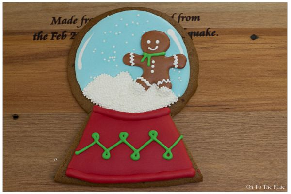 Snow globes and other cookies and stuff   On to the plate